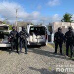 Понад півтонни бурштину та обладнання для його обробки вилучили поліцейські на Рівненщині