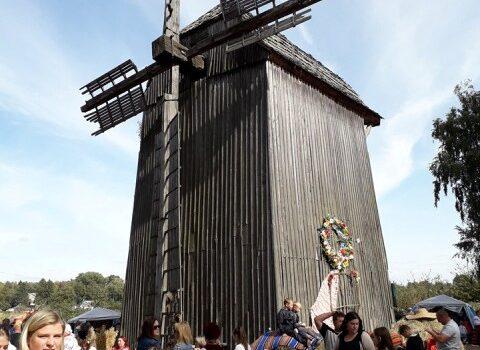 На Рівненщині відбувся Всеукраїнський фестиваль «Красносільських вітряків»