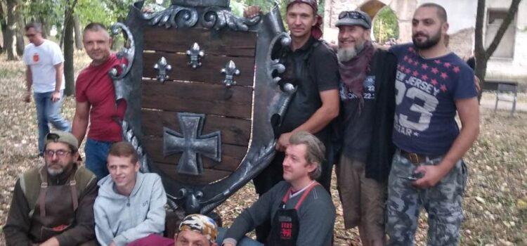 Садибу Валевських (Ленкевичів) у Гощі прикрашатиме кований герб
