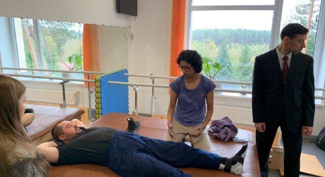 «Ангели Хоронителі України» допомагають пацієнтам у Клеванському госпіталі