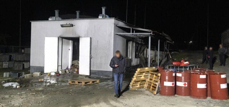 На Рівненщині поліцейські встановлюють обставини вибуху на підприємстві