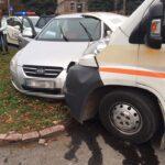 Водій не пропустив швидку, яка їхала на місце ДТП