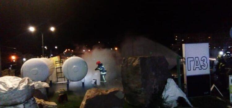 В Рівненському районі рятувальники запобігли вибуху на автогазовій заправній станції
