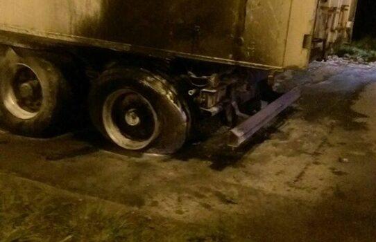 На трасі Київ-Чоп загорівся вантажний автомобіль