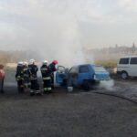 Рівненські рятувальники ліквідували пожежу у легковому автомобілі