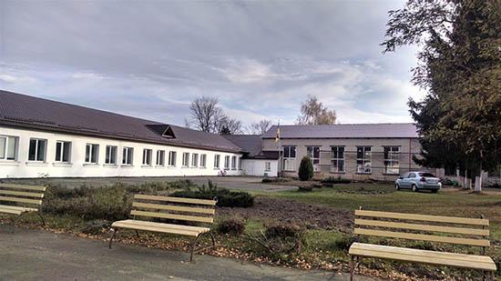 На рівненському Поліссі ремонтують школи
