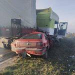 Неподалік Рівного сталася ДТП за участі вантажівки та легкового автомобіля