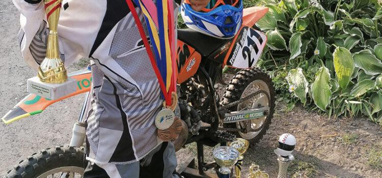 Наймолодший мотогонщик із Бургрина здобув чергову перемогу