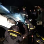 В Рівному громадяни самотужки ліквідували пожежу в автомобілі