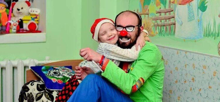 Рівненському лікарняному клоуну терміново потрібна допомога