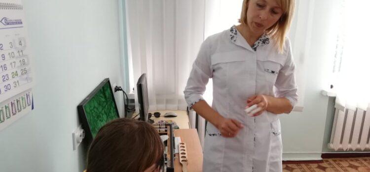 Рівненська лікарка розповіла, коли показувати дитину окулісту
